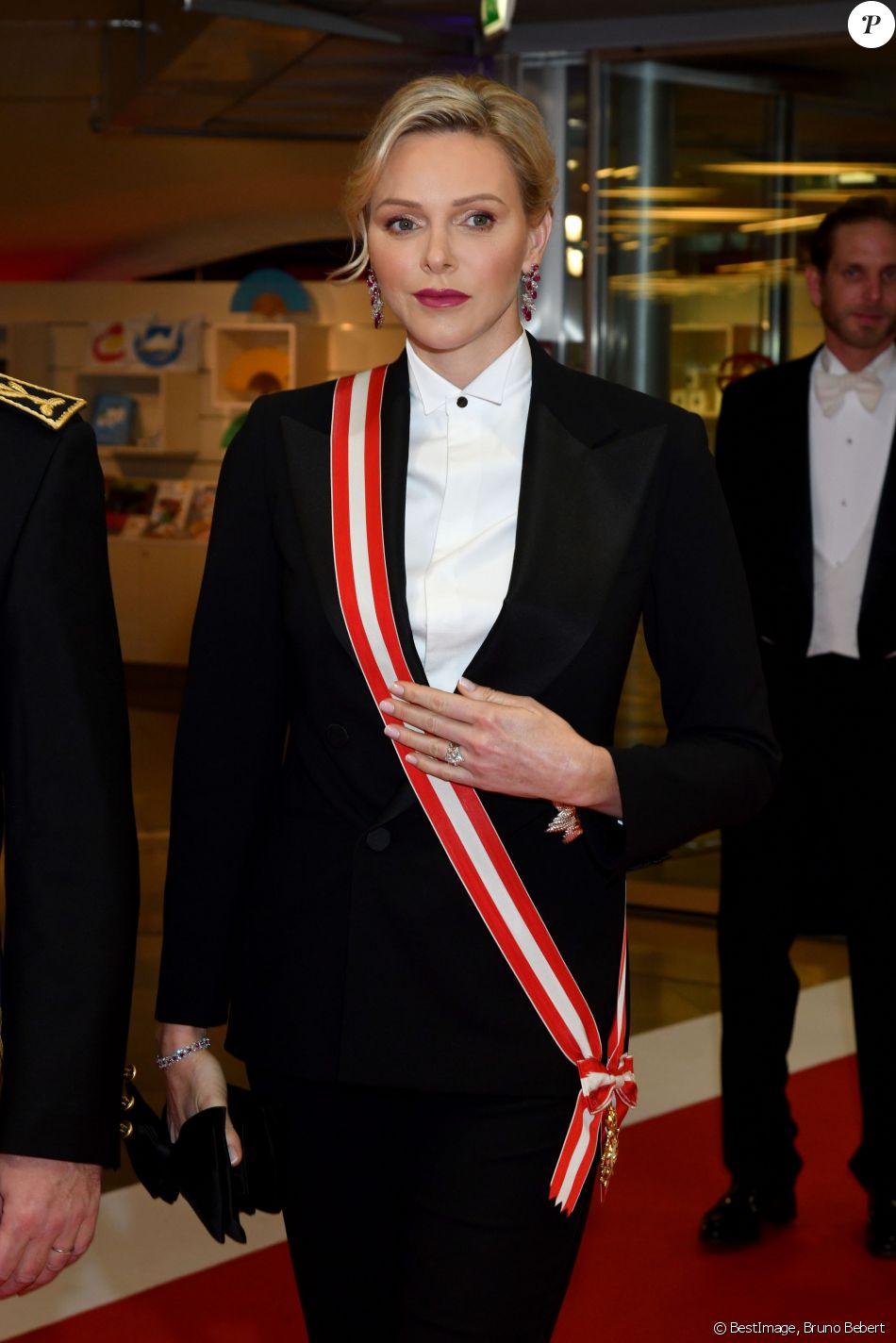La princesse Charlène de Monaco - Arrivées à la soirée de gala à l'occasion de la fête nationale monégasque au Grimaldi Forum à Monaco le 19 novembre 2019. Cette année, c'est le l'opéra Lucia di Lammermoor qui est joué sur la scène de la salle des Princes. © Bruno Bebert / Pool Monaco / Bestimage