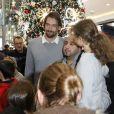 Exclusif - Camille Lacourt inaugure les illuminations de Noël à Westfield Velizy 2, Velizy le 23 Novembre 2019 © Marc Ausset-Lacroix / Bestimage