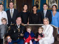 Charlene et Albert de Monaco : Rare photo de famille au palais, quasi au complet