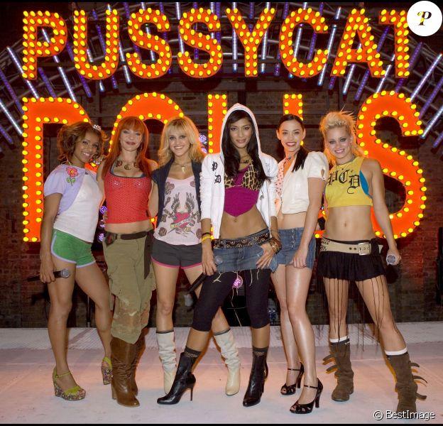 Nicole Scherzinger et les Pussycat Dolls à Londres. Septembre 2005.