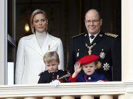 Albert et Charlene de Monaco : Nouveau portrait officiel avec les enfants