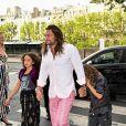 Jason Momoa et ses filles Nakoa et Lola - Les invités de Zoe Kravitz et de son mari Karl Glusman arrivent au restaurant Lapérouse à Paris pour leur Pre Wedding Party le 28 juin 2019.
