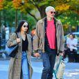 """Exclusif - Zoe Kravitz et son mari Karl Glusman se baladent main dans la main dans le parc de Washington Square à New York. Zoë Kravitz sera Catwoman dans le prochain """"Batman""""! Le 23 octobre 2019"""