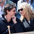 Virginie Efira et Niels Schneider en couple à Roland-Garros le 8 juin 2019. ©Jacovides/Moreau/Bestimage
