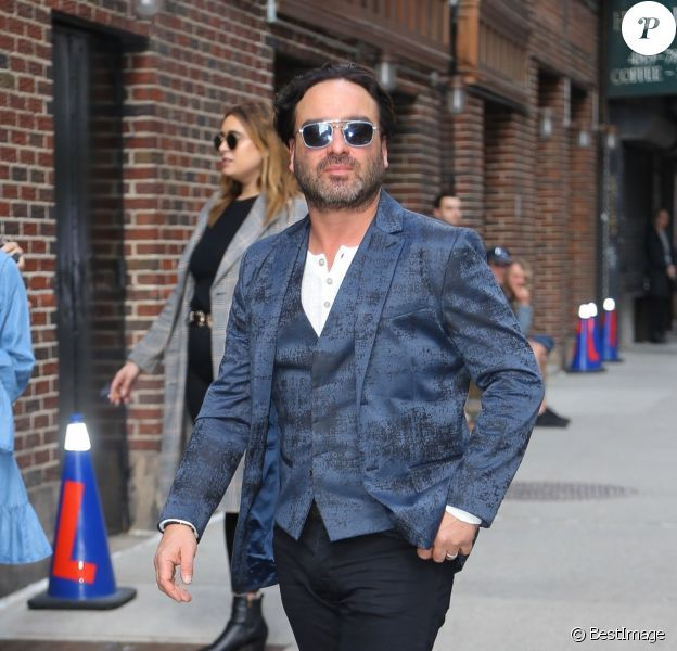 """Johnny Galecki arrive à l'émission """"The Late Show With Stephen Colbert"""" à New York, le 16 mai 2019."""