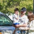 Exclusif - Justin Timberlake et sa femme Jessica Biel sont allés soutenir leur fils Silas Randall Timberlake à son entrainement de baseball à Los Angeles. Kimberly Biel, la mère de Jessica est de la partie! La petite famille rencontre T. Seymour avant de quitter le parc, le 29 octobre 2019