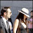 Mélanie Doutey et Gilles Lellouche au mariage de leurs amis Alexandra Lamy et Jean Dujardin, le 25 juilet 2009.