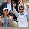 Pierre Niney et sa compagne Natasha Andrews enceinte de leur 2ème enfant - Célébrités dans les tribunes des internationaux de France de tennis de Roland Garros à Paris, France, le 9 juin 2019. © Jacovides-Moreau/Bestimage