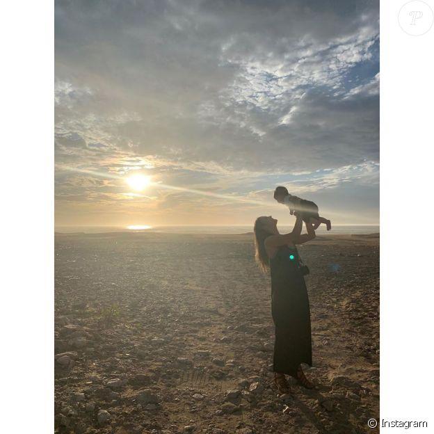 Pierre Niney, Natasha et leurs deux filles au Maroc, le 12 décembre 2019.