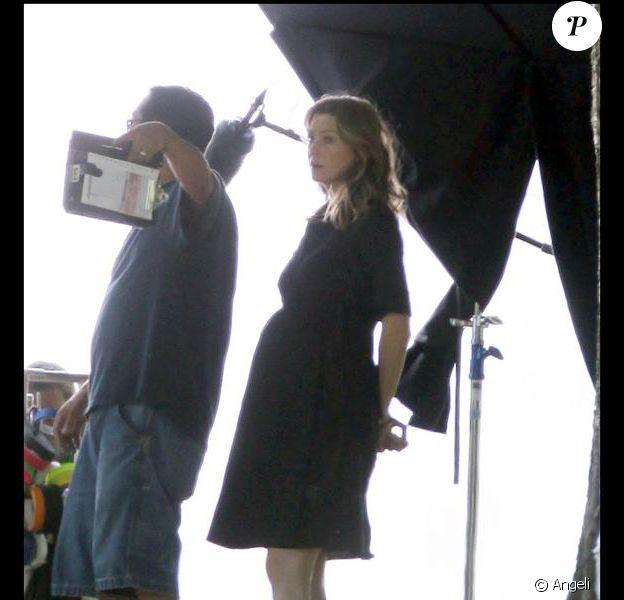 Ellen Pompeo alias Meredith sur le tournage de la saison 6 de Grey's Anatomy. Juillet 2009