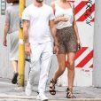 Tony Garrn et son compagnon Alex Pettyfer ont été aperçus dans les rues de Milan en Italie, le 15 juin 2019.