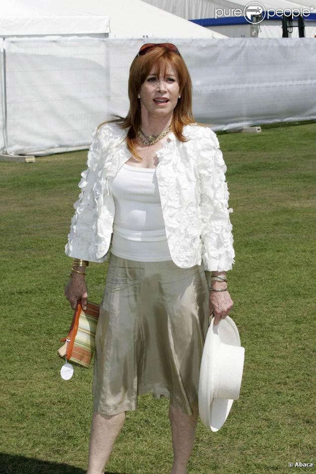 stefanie powers cancer