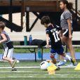Exclusif - Milan Pique Mebarak, Sasha Pique Mebarak - Shakira et son compagnon sont allés encourager leurs fils lors de leur entrainement de football à Miami, le 30 décembre 2019.