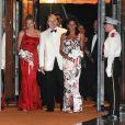 Charlene Wittstock, le prince Albert et Stéphanie de Monaco au 61e gala de la Croix Rouge à Monaco vendredi 31 juillet