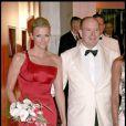 Charlene Wittstock et Albert de Monaco au 61e gala de la Croix Rouge à Monaco. Un couple superbe !