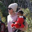 Khloé Kardashian, sa fille True Thompson et sa nièce Penelope Disick (fille de Kourtney Kardashian et Scott Disick) se rendent au centre équestre Calabasas Saddlery. Los Angeles, le 4 janvier 2020.
