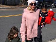 Khloé Kardashian : Sortie shopping avec sa fille True et sa nièce Penelope