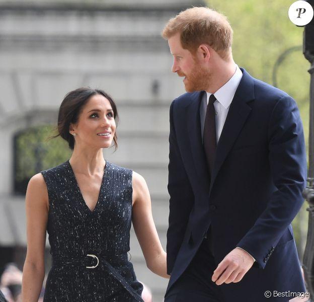 Meghan Markle et le prince Harry à leur arrivée à la cérémonie de commémoration du 25ème anniversaire de l'assassinat de Stephen Lawrence en l'église St Martin-in-the-Fields à Londres. Le 23 avril 2018