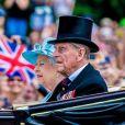 Le prince Philip, duc d'Edimbourg, pendant le défilé Trooping the Colour avec la reine Elisabeth II d'Angleterre