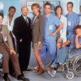 Chicago Hope  est une autre série médicale qui sort la même année qu'Urgences. Elle se place donc directement en concurrente, mais ne fait pas le poids. Dommage !