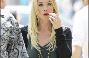 Christina Applegate : toujours charmante mais... bizarrement angoissée !