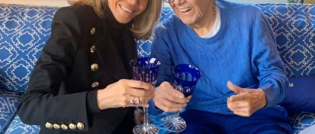 Brigitte Macron : En pantalon de cuir bleu pour Michou, un rendez-vous d'amitié