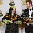 Billie Eilish et Finneas O'Connell posent avec leurs Grammyslors de la 62ème soirée annuelle des Grammy Awards, au Staples Center. Los Angeles, le 26 janvier 2020.