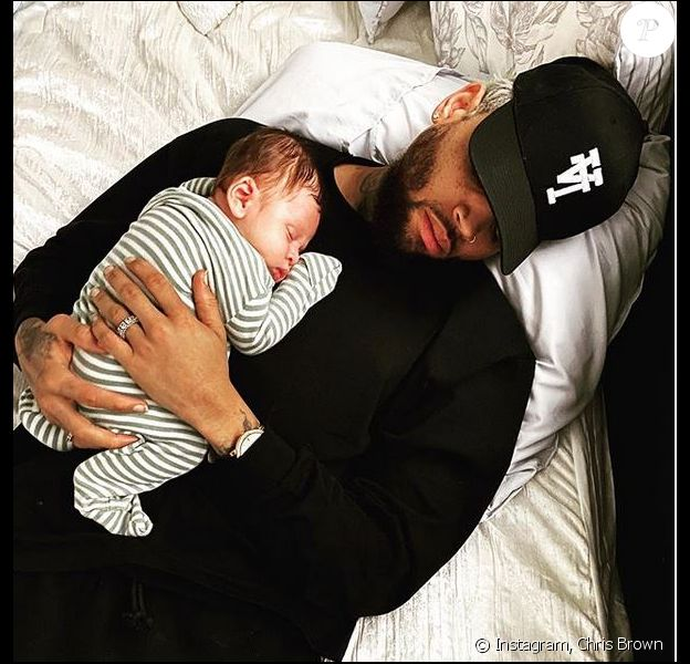 Chris Brown et son fils Aeko. Décembre 2019.