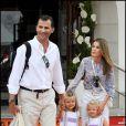 Letizia et Felipe d'Espagne avec leurs filles, Leonor et Sofia, à Palma de Majorque, le 7 août 2009