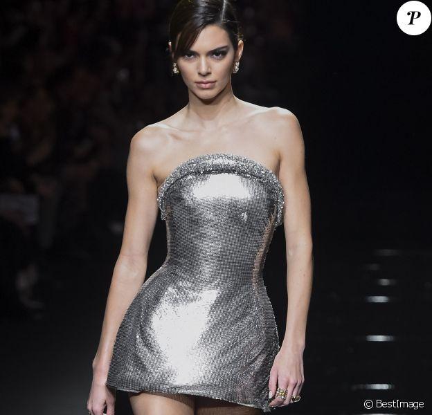 """Kendall Jenner - Défilé de mode PAP automne-hiver 2020 """"Versace"""" à Milan. Le 21 février 2020"""