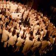"""Exclusif - Kanye West lors du """"Sunday Service"""", la messe est organisée au Théâtre des Bouffes du Nord à Paris, le 1er mars 2020."""