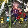 La famille et les amis de Ric Ocasek ont déposé des fleurs et des bougies devant sa maison à New York le lendemain de sa mort, le 16 septembre 2019.
