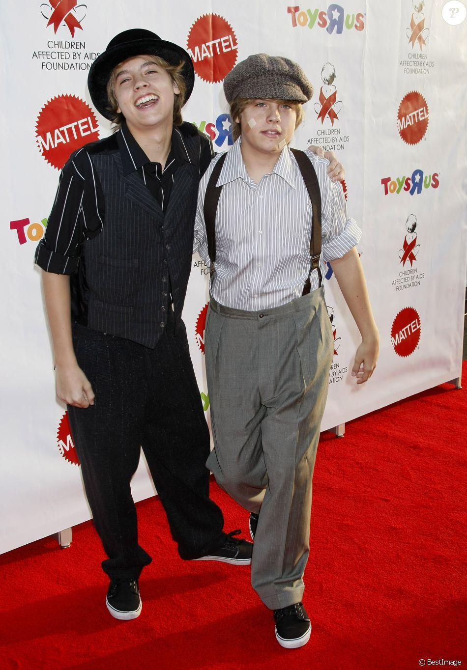 Dylan et Cole Sprouse, le 24 octobre 2009 à Los Angeles ...