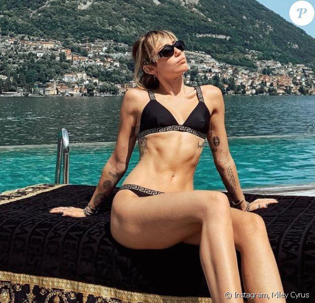Miley Cyrus en bikini. Août 2019.
