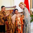 Le roi Willem-Alexander et la reine Maxima des Pays-Bas ont été accueillis par le président Joao Widodo et sa femme Iriana au palais présidentiel de Jakarta, à l'occasion d'un voyage officiel en Indonésie. Le 10 mars 2020  Jakarta, INDONESIA - King Willem-Alexander and Queen Maxima are welcomed at the Bogor Palace by President Joko Widodo and his wife Iriana during their State Visit to Indonesia.10/03/2020 - Jakarta