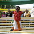 Ajay Kumar est un acteur indien, l'acteur le plus petit du monde. Il mesure 76 cms !
