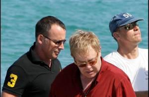 Elton John et son mari David Furnish : Saint-Tropez... c'est le paradis pour leurs vacances !