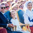 La princesse Victoria de Suède et son mari le prince Daniel de Suède avec leur fille la princesse Estelle de Suède lors de la célébration du 42e anniversaire de la princesse Victoria à Borgholm le 14 juillet 2019.