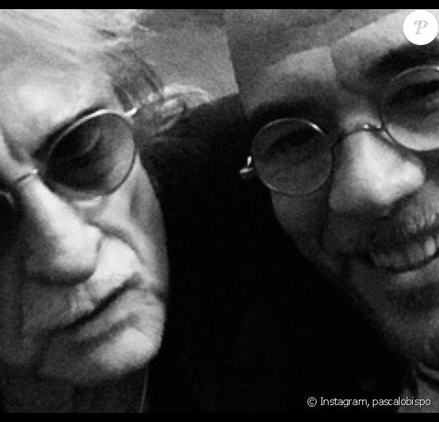 Pascal Obispo a partagé cette photo de lui avec Christophe sur Instagram, le 11 avril 2020.