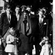 """Edward """"Ted"""" Kennedy, ici à gauche lors des funérailles de JFK, est décédé le 25 août 2009 à l'âge de 77 ans."""