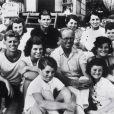 """Edward """"Ted"""" Kennedy, ici tout jeune en haut à droite, avec le clan Kennedy dans les années 1930, est décédé le 25 août 2009 à l'âge de 77 ans."""