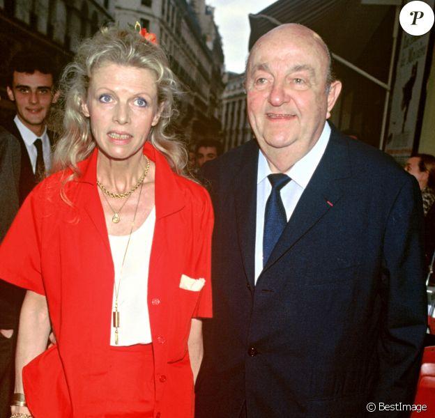 Archives - Bernard Blier et sa femme Annette Martin lors d'une soirée au théâtre des Bouffes Parisiens. Le 24 juin 1986.