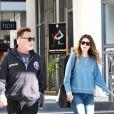 Arnold Schwarzenegger sort d'un petit déjeuner avec sa fille Katherine à Los Angeles le 13 mars 2019.