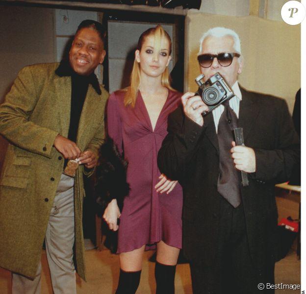 Andre Leon Talley, un mannequin et Karl Lagerfeld à Paris, le 17 mars 1997.