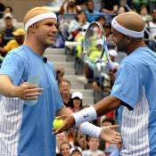 Roger Federer, Maria Sharapova, Ana Ivanovic et James Blake... victimes du diabolique Will Ferrell, déguisé !