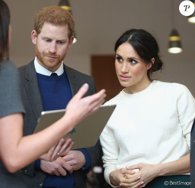 Le prince Harry et Meghan Markle visitent Catalyst Inc et rencontrent de jeunes entrepreneurs à Belfast le 23 mars 2018.