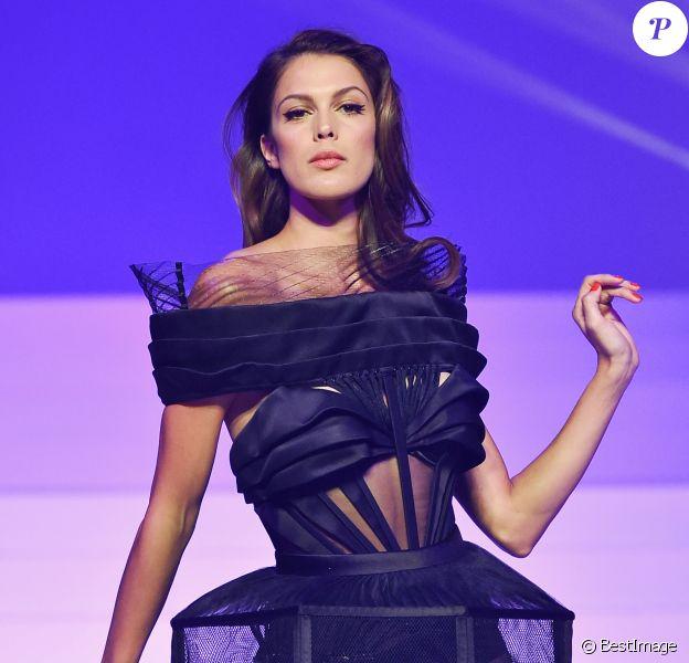 """Iris Mittenaere - Défilé de mode Haute-Couture printemps-été 2020 """"Jean Paul Gaultier"""" à Paris. Le 22 janvier 2020"""