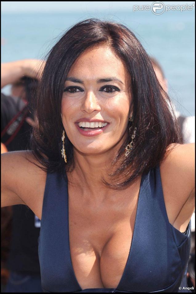 La superbe Maria Grazia Cucinotta est arrivée à Venise pour la Mostra qui se tiendra du 2 au 12 septembre... et c'est très beau !