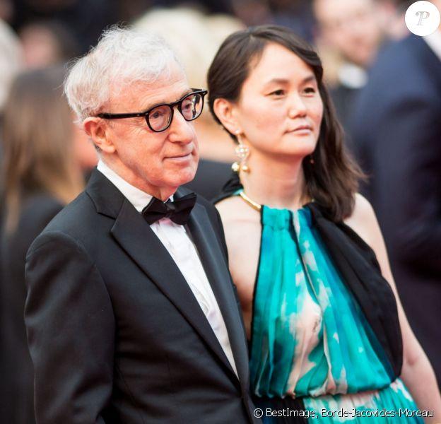 """Woody Allen et sa femme Soon-Yi Previn - Montée des marches du film """"Café Society"""" pour l'ouverture du 69ème Festival International du Film de Cannes. Le 11 mai 2016. © Borde-Jacovides-Moreau/Bestimage"""