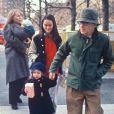 Mia Farrow, Woody Allen et leurs enfants Seamus Satchel, Dylan Farrow, Soon-Yi Previn et Moses Amadeux en 1988 à New York.
